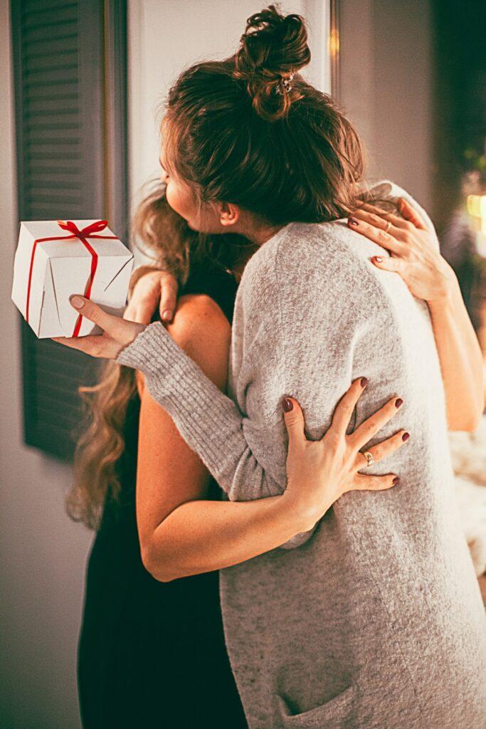 Gaveinspiration og gaveideer til hende